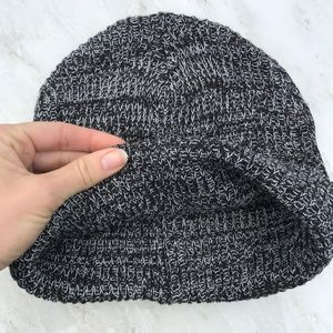 a50dc1dabdcaa Forever 21 Accessories - FOREVER 21 Winter Ski Snow Hat Woven Knit Beanie